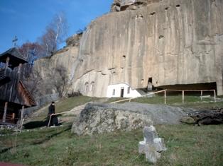 Manastirea Corbii de Piatra (foto mare )