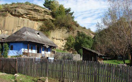 Din patrimoniul de arhitectura locala