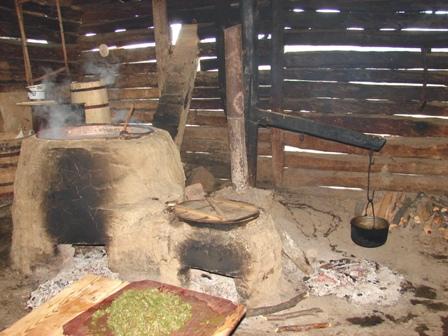 Fierbatorul traditional al stanei