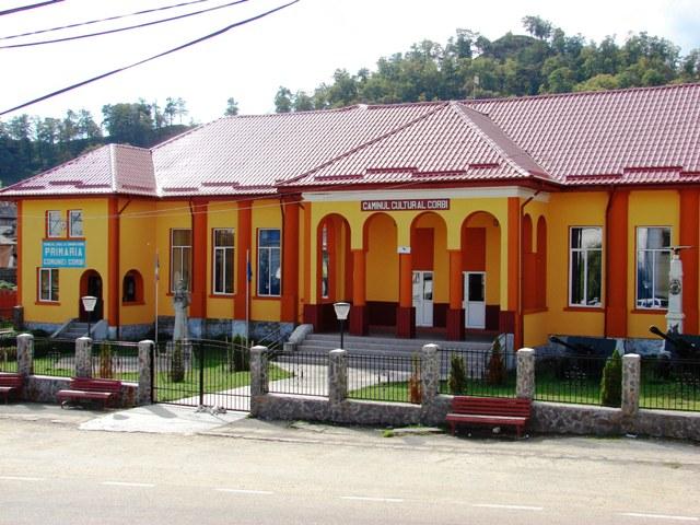 Primaria si Caminul Cultural din Corbi -foto mare-